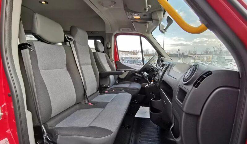 Renault Master MPV 8-sits Handikappanpassad / Färdtjänst full